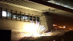 12_Explosionen_Film_still_1